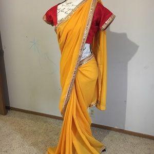 Indian/Pakistani Bollywood Designer Saree ❤️